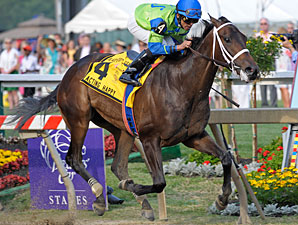 Acting Happy wins the 2010 Black-Eyed Susan.
