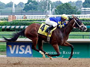 Ailalea wins the 2010 Dogwood.