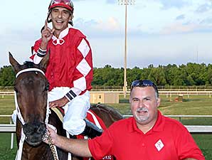 All Woman wins the 2014 Louisiana Legends Soiree Stakes.
