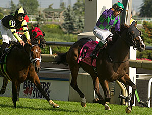 Ami's Holiday wins the Breeders' Stakes.