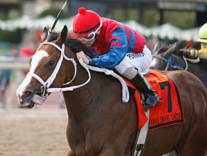 Ann's Smart Dancer wins the 2011 Dr. Teresa Garofalo Stakes.