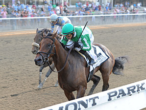 Artemis Agrotera wins the 2013 Frizette.