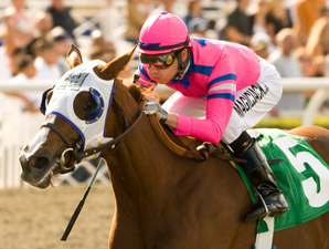 Blind Luck wins the 2009 Oak Leaf Stakes.