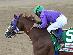 California Chrome wins the 2014 Kentucky Derby.