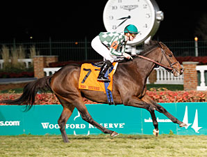 Centre Court wins the 2012 Mrs. Revere.