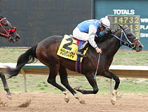 Cloud Harbor wins the Gold Rush Futurity.