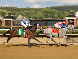 Concord Point wins the 2010 West Virginia Derby.