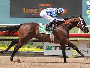 Coyote Legend wins the Assault Stakes.