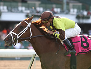 Dancing Solo wins the 2012 Boiling Springs.