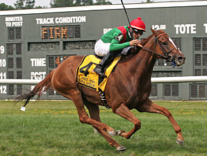 Daveron wins the 2011 Dr. James Memorial Handicap.