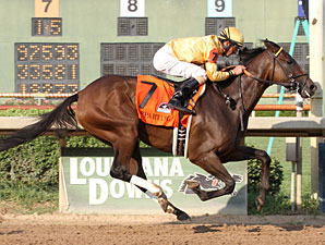 Departing wins the 2013 Super Derby.