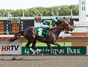 Devil by Design wins the 2011 Chicago Handicap.