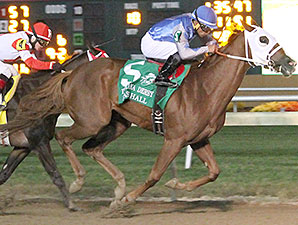 East Hall wins the 2014 Indiana Derby.