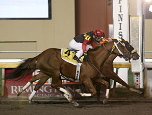 Eye Love Jeanie wins the 2013 Oklahoma Classics Distaff Sprint Stakes.