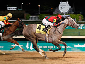 Flashy American wins the 2013 Locust Grove.