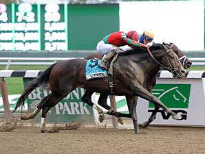 Flat Out wins the 2012 Jockey Club Gold Cup.