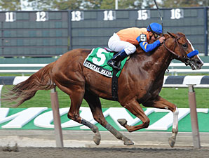 General Maximus wins the 2010 Hudson.