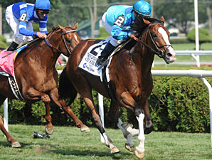 Get Stormy wins the 2010 Fourstardave.