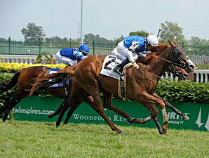 Gleam of Hope wins the 2010 Jefferson Cup.