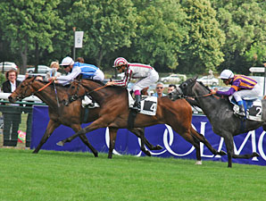 Goldikova wins the Prix D'Ispan.