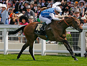 Goldikova wins the 2010 Queen Anne.