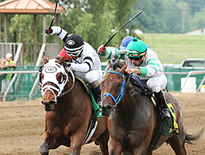 Good Lord wins the 2014 Don Bernhardt Stakes.