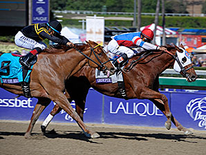 Groupie Doll wins the Breeders' Cup Filly and Mare Sprint.