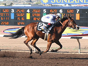 Harissa wins the 2010 Sunland Park Oaks.