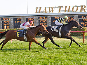 Happy Henrietta wins the 2011 Indian Maid.