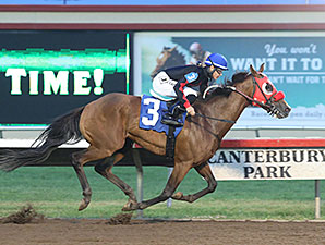 Holiday Mischief wins the 2014 John Bullit Stakes.