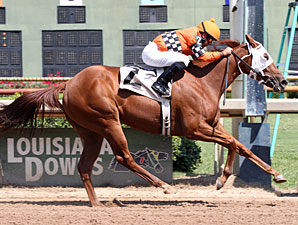 Ile St. Molly wins the 2012 Lady Razorback Futurity.