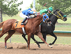 Ima Happy Strike wins the Inaugural.