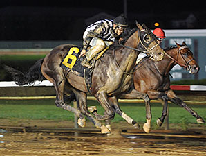 Jessica's Star wins the 2014 Iowa Derby.