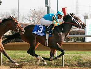 Joe Vann wins the 2011 Illinois Derby.