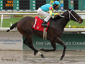 Justin Phillip wins an allowance at Fair Grounds on Jan. 1, 2011.