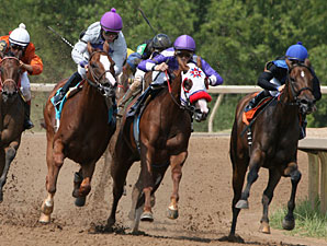 Kaki's Storm wins the 2011 LA Cup Juvenile Fillies.