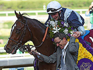 Karakontie wins the 2014 Breeders' Cup Mile.
