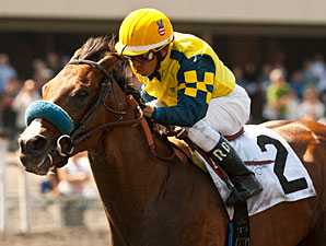 Kate's Event wins the Tiznow Stakes.
