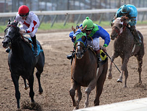 Key Donation wins the 2012 Super Derby Prelude.