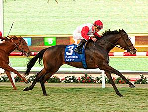 La Tia wins the Matriarch Stakes.