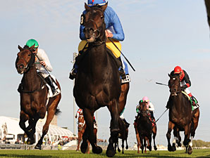 Lahaleeb wins the 2009 E. P. Taylor.