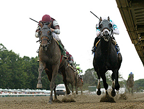 Last Gunfighter wins the 2013 Philip H. Iselin Stakes.