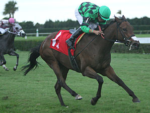 Louvakhova wins the 2011 Frances A. Genter Stakes.
