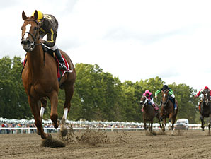 Love That Dance wins the 2010 Eleven North.