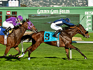 Luscious Lonna wins the 2014 Miss America Stakes.