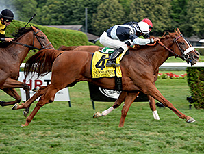 Main Sequence wins the 2014 Sword Dancer.