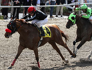 Mambo Galliano wins the 2011 Duncan F. Kenner Stakes.