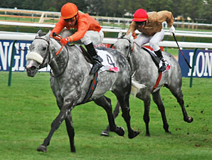 Marchand d'Or wins the Prix De Meautry Lucien Barriere.