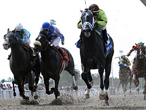 Mission Impazible wins the New Orleans Handicap.