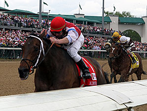 Moonshine Mullin wins the 2014 Alysheba Stakes.